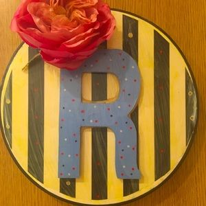 """🛍 SALE! 🛍Custom painted 🌷❤️🌻3D """"R"""" wall decor"""